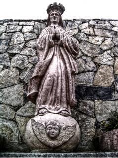 Estatua católica
