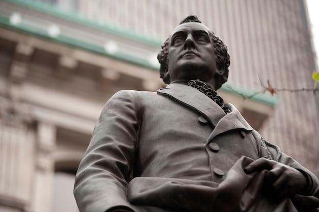 Estatua de josiah quincy iii en boston, massachusetts, ee.uu.