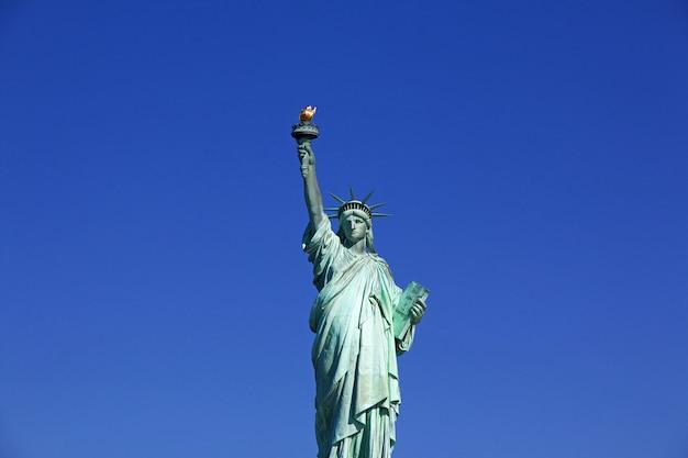 Estatua de la libertad en nueva york, ee.uu.