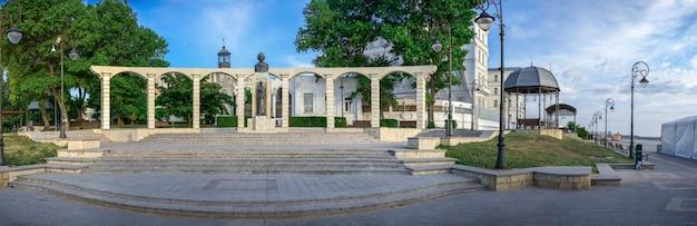 Estatua de mihai eminescu en constanta, rumania