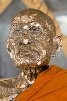 Estatua de monje
