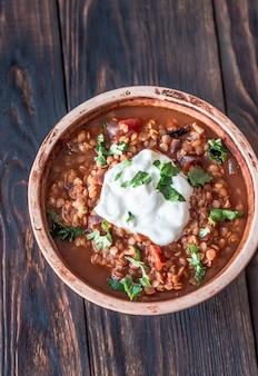 Estofado mexicano de lentejas rojas picantes