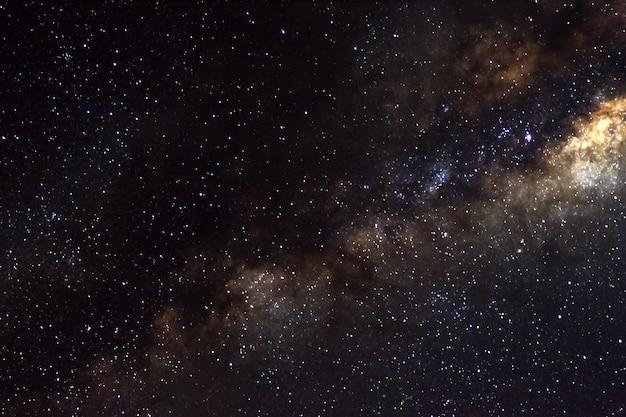Estrellas y galaxia espacio ultraterrestre cielo universo nocturno negro fondo estrellado de starfield brillante