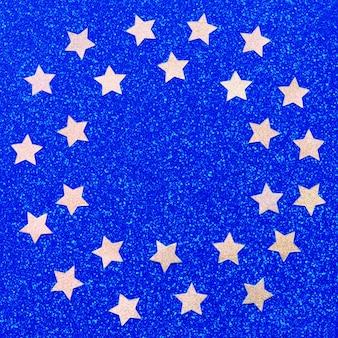 Estrellas de oro fruncidas