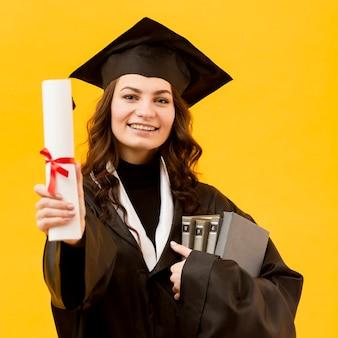 Estudiante graduado de tiro medio