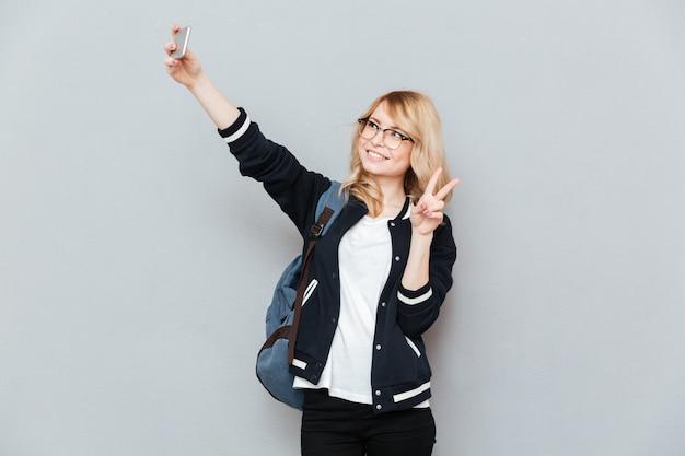 Estudiante haciendo selfie