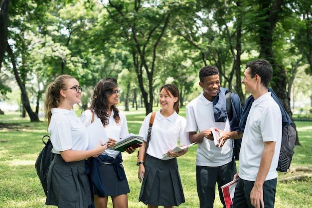Estudiante study uniform book college book teen concept