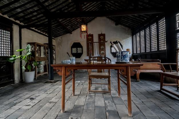 Estudio chino antiguo en la ciudad antigua de zhouzhuang de suzhou, china