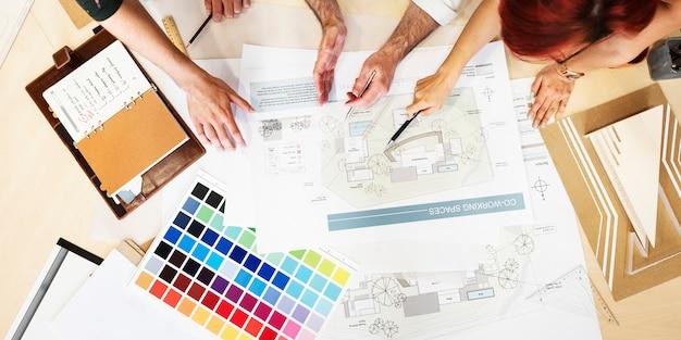 Estudio de diseño arquitecto ocupación creativa reunión concepto blueprint