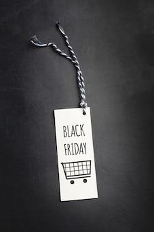 Etiqueta sobre fondo negro