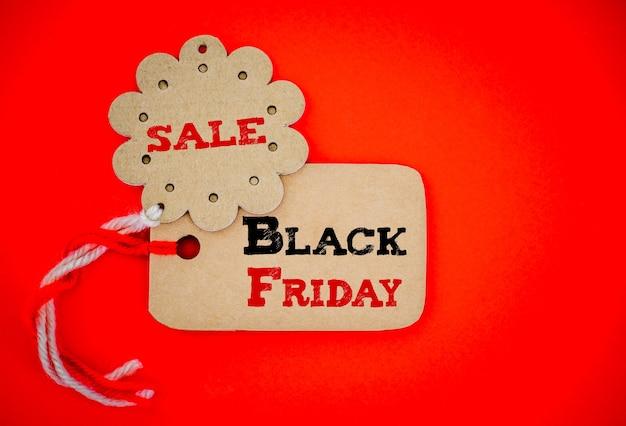 Etiquete etiquetas de compras para compras en línea, concepto de venta de viernes negro.