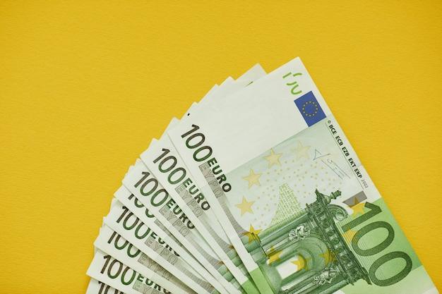 Euro dinero. euro en efectivo de fondo. billetes en euros