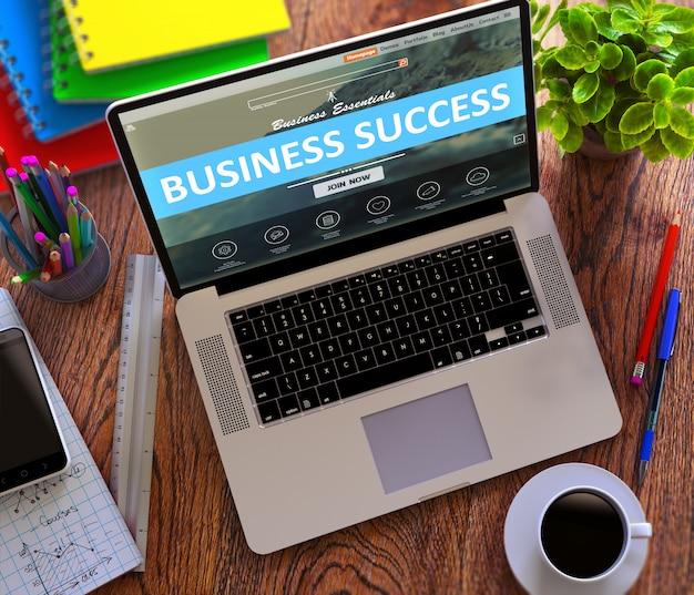 Éxito en el negocio. concepto de trabajo en línea.