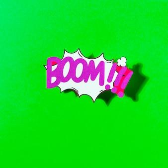 Explosión de ilustración de dibujos animados vector cómico auge contra el telón de fondo verde