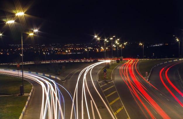 Exposición prolongada al tráfico nocturno