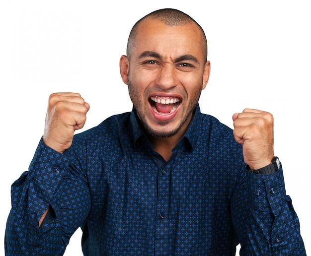 Expresión feliz empresario negro