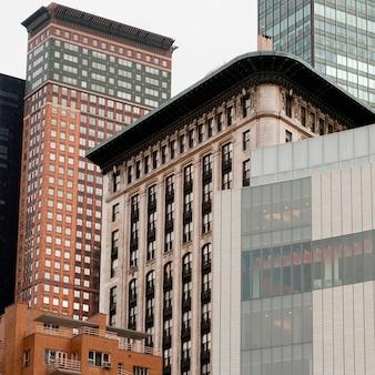 Exterior de edificios alrededor de columbus circle en manhattan, nueva york, ee.uu.
