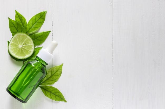 Extracto de lima vitamina c para tratamientos y remedios de la piel.