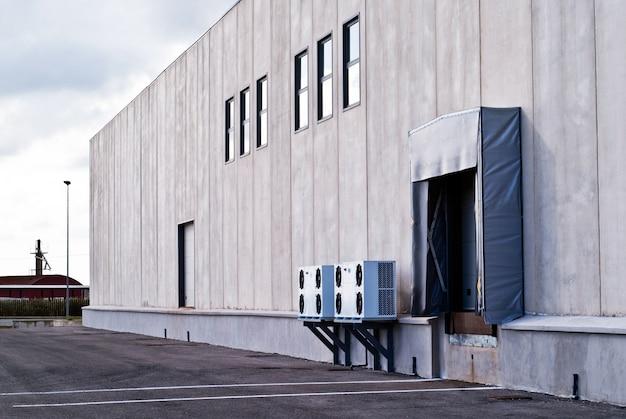 Fábrica exterior de edificio