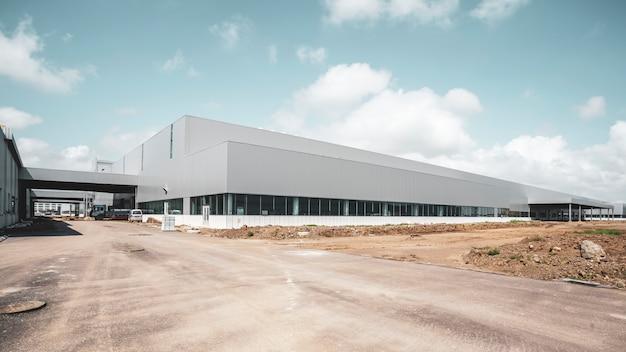 Fábrica moderna de edificios y almacenes logísticos.