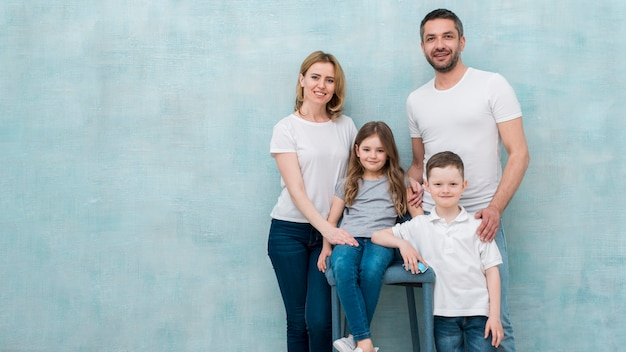 Familia en casa
