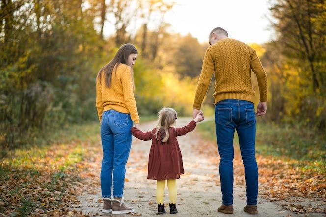 Familia en el bosque