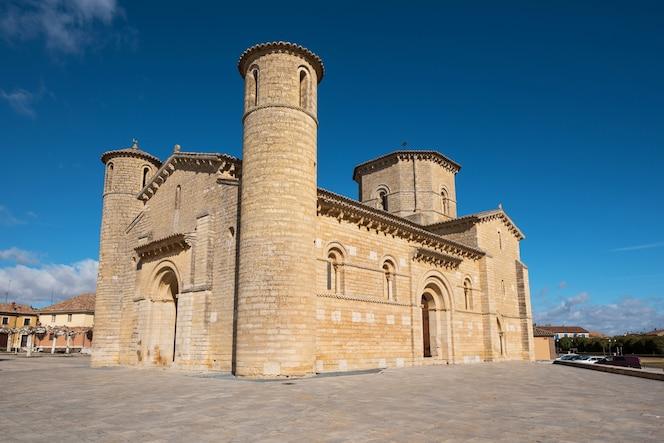 Puertas De Iglesias Fotos Y Vectores Gratis
