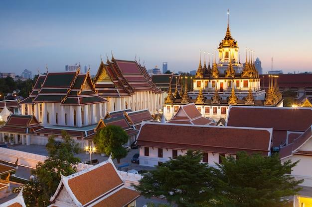 El famoso lugar, la montaña de oro en bangkok, tailandia