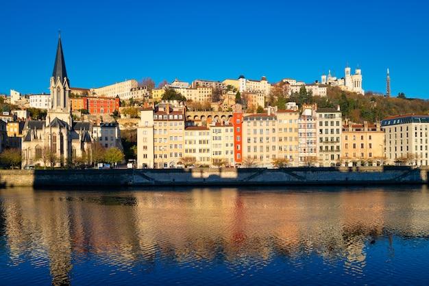 Famoso paisaje urbano de lyon, francia, europa
