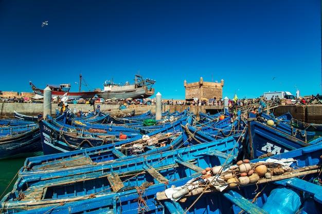 Los famosos barcos azules en el puerto de essaouira