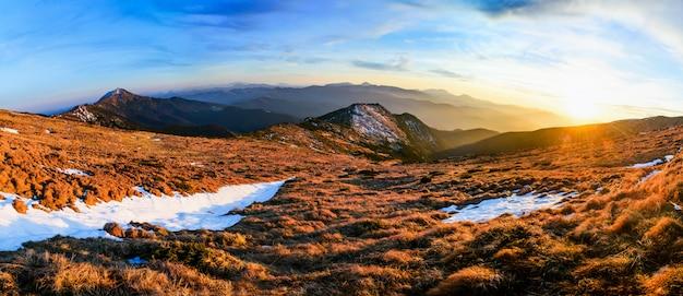 Fantástico paisaje casi nevado