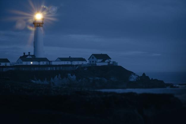 Faro de la costa del pacífico