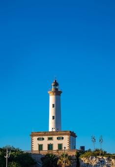 Faro de ibiza botafoc en el puerto de eivissa