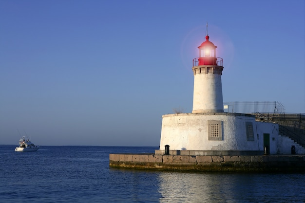 Faro en las islas baleares de la ciudad de ibiza.