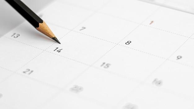 Fecha del 14 de febrero en el calendario. concepto de san valentín