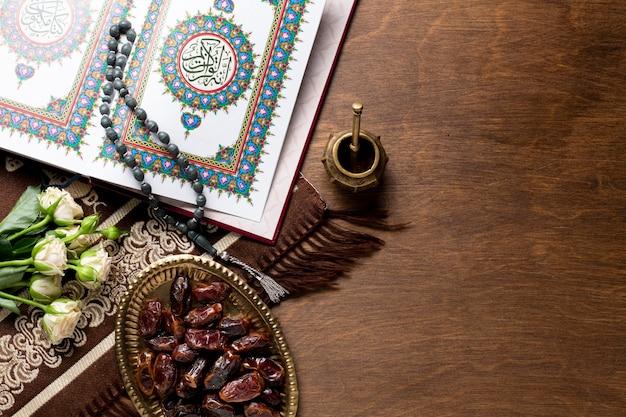 Fechas y elementos árabes.