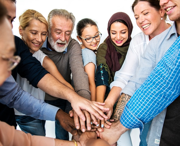 Felices personas diversas unidas