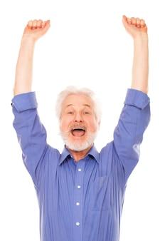 Feliz anciano con barba