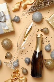 Feliz año nuevo accesorios en mesa