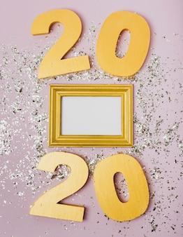 Feliz año nuevo con números 2020 y brillo