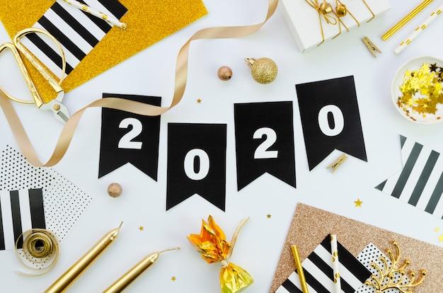 Feliz año nuevo con números 2020 vista superior