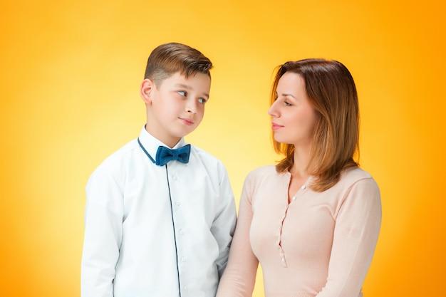 Feliz madre e hijo