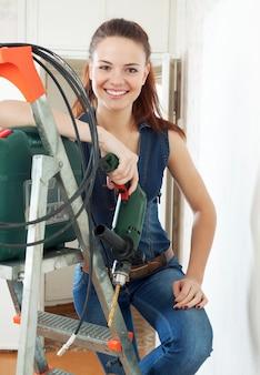 Feliz mujer constructor