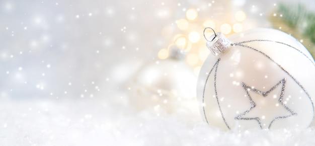 Feliz navidad y feliz año nuevo, fondo de tarjeta de felicitación de vacaciones.