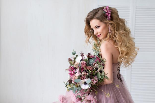 Feliz novia moda