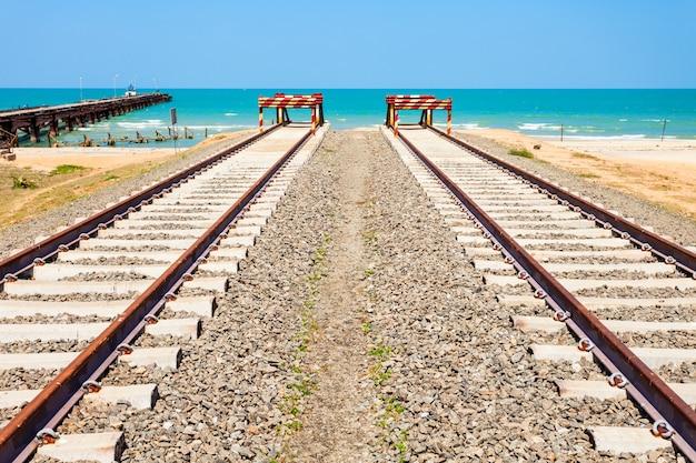 Ferrocarril talaimannar, sri lanka