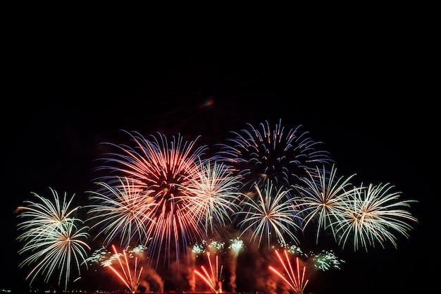 Festival de fuegos artificiales en tailandia
