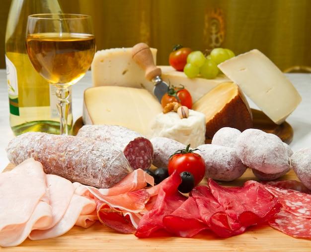 Fiambres y queso