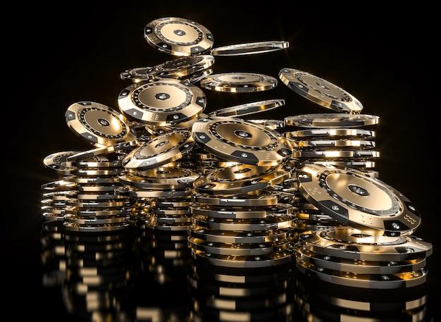 Fichas de póquer de color dorado con diamantes