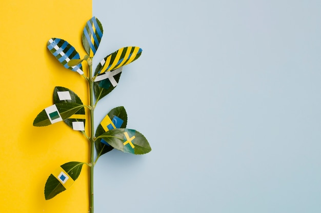 Ficus pintados con copia espacio de fondo
